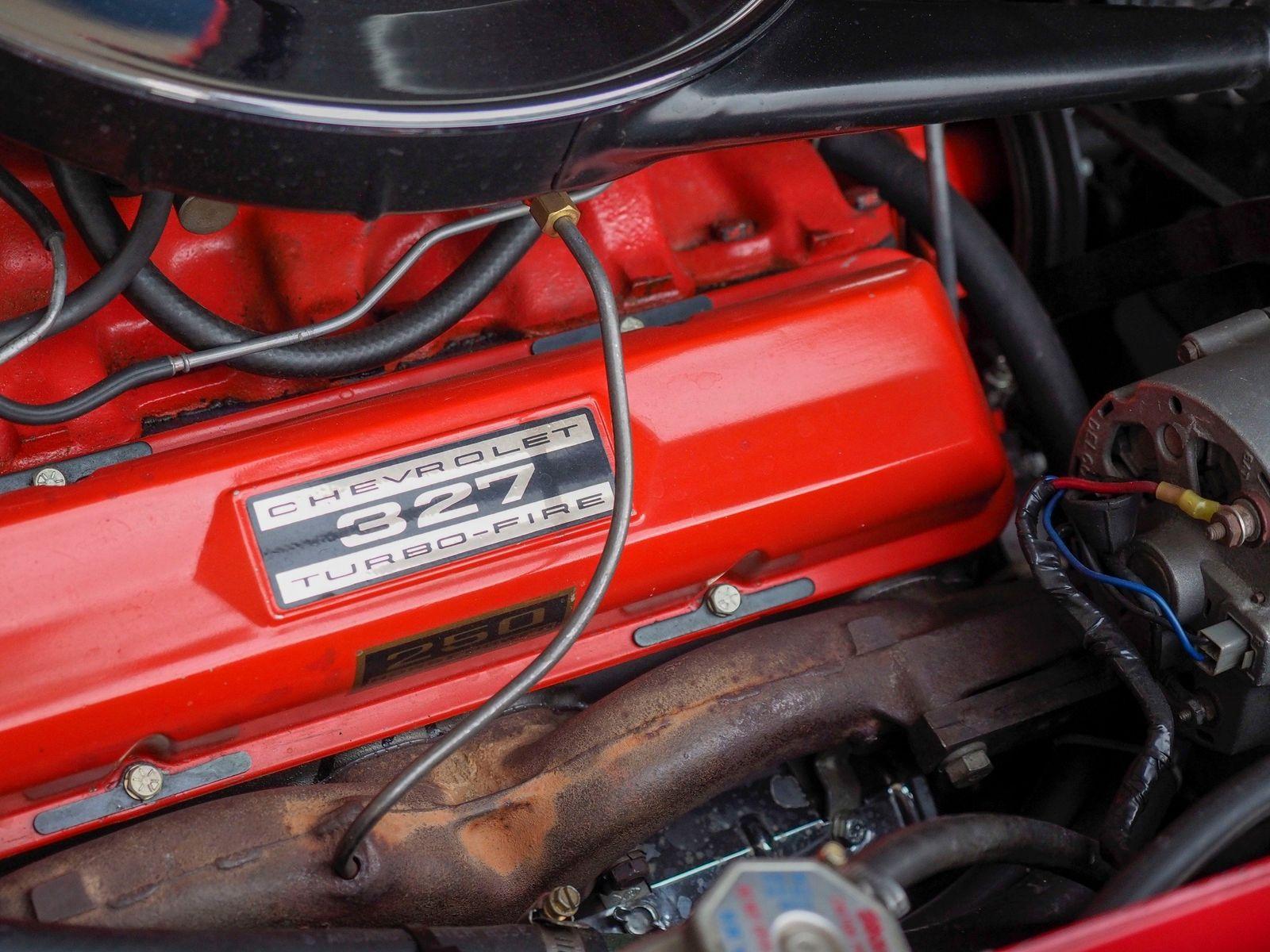 1965 Chevrolet Corvette 26