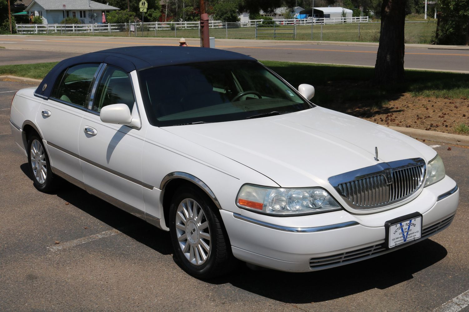 2003 Lincoln Town Car Executive Victory Motors Of Colorado Rim