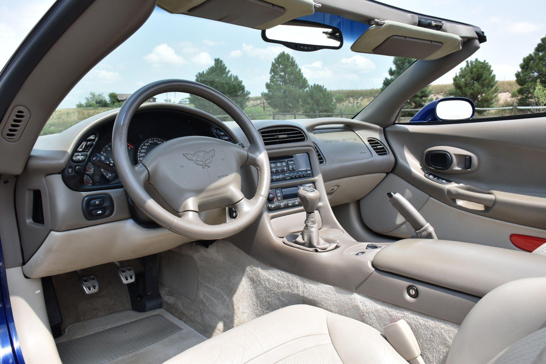 2004 Chevrolet Corvette memorative Lemans Blue Edition