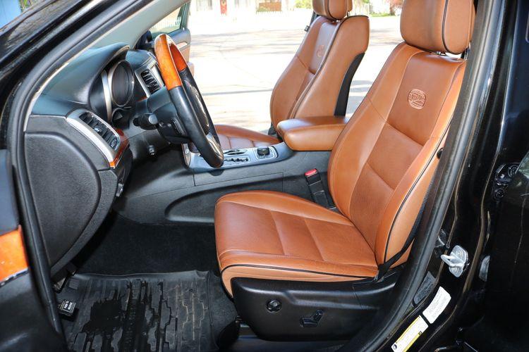 2012 Jeep Grand Cherokee Overland | Victory Motors of Colorado