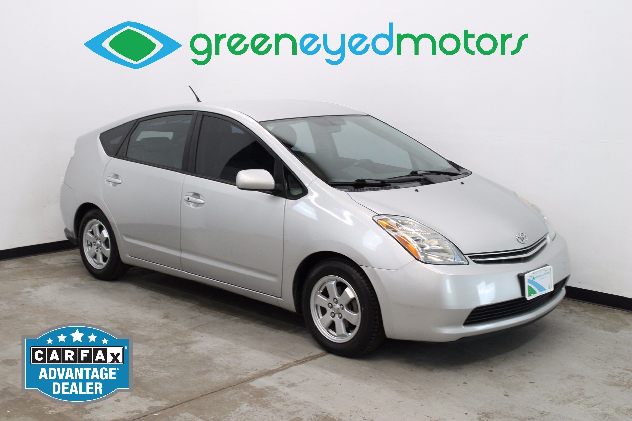 2006 Toyota Prius. 50+ MPG   Rear View Camera   Brand New Tires!!