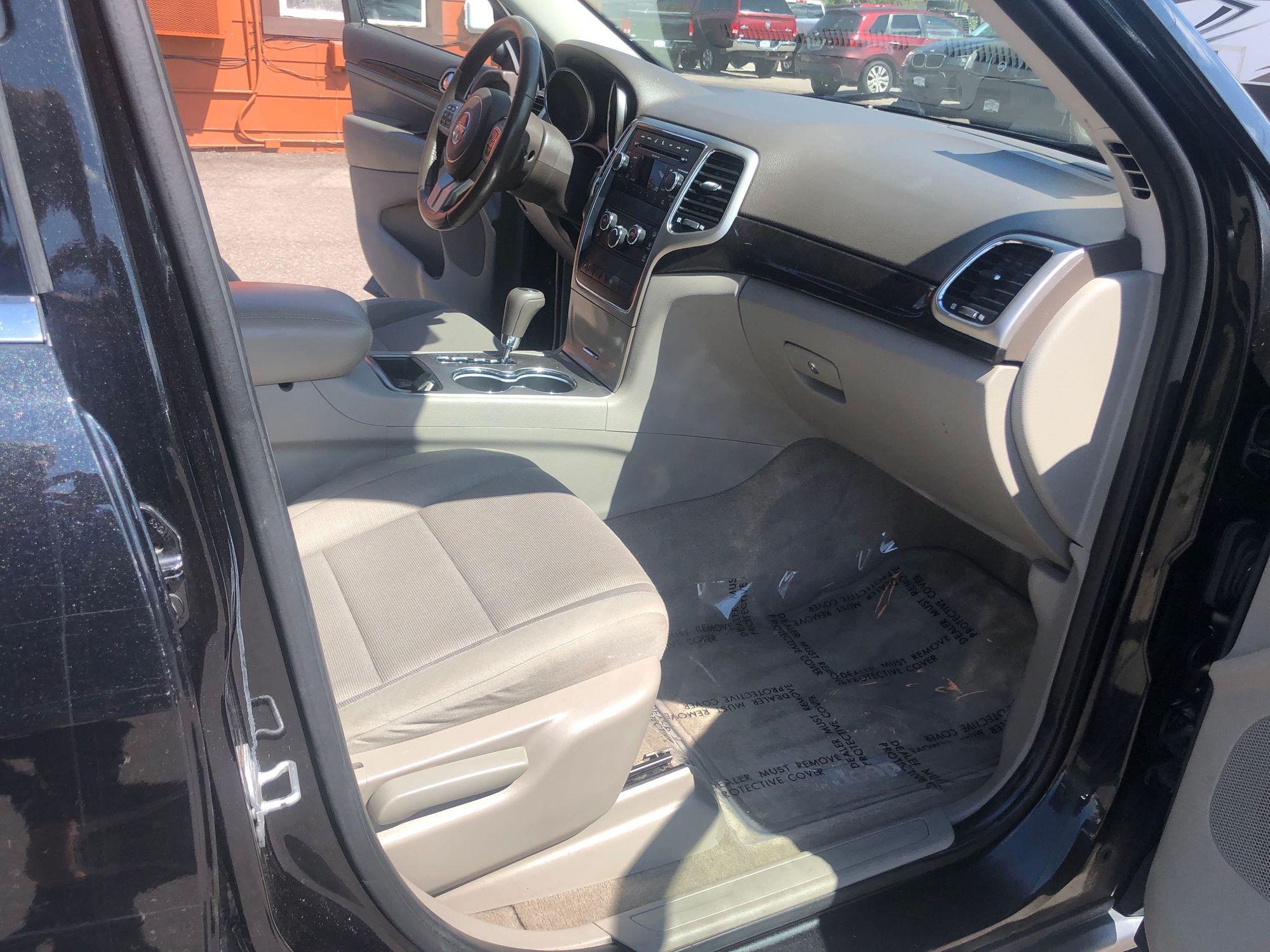2011 Jeep Grand Cherokee Laredo   Berkenkotter Motors