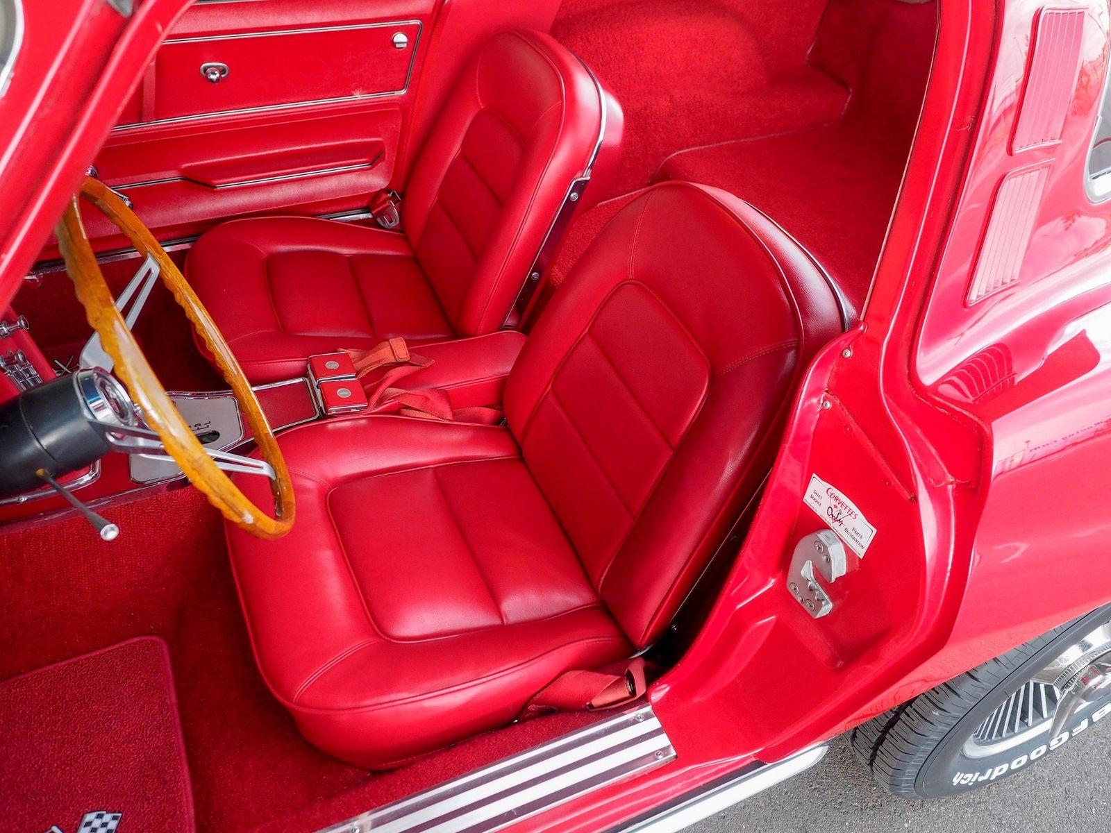 1965 Chevrolet Corvette 38