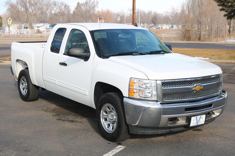 silverado photos ft price interior truck reviews box wb regular cab features work in chevrolet