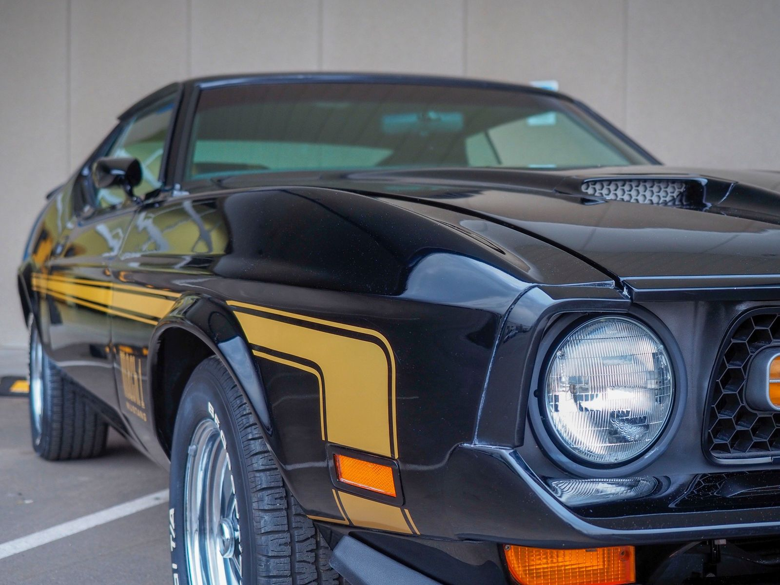 1972 Ford Mustang 10