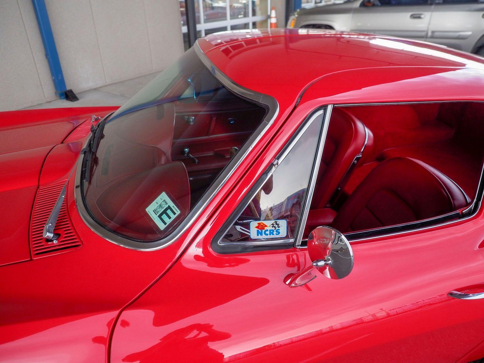 1965 Chevrolet Corvette 23