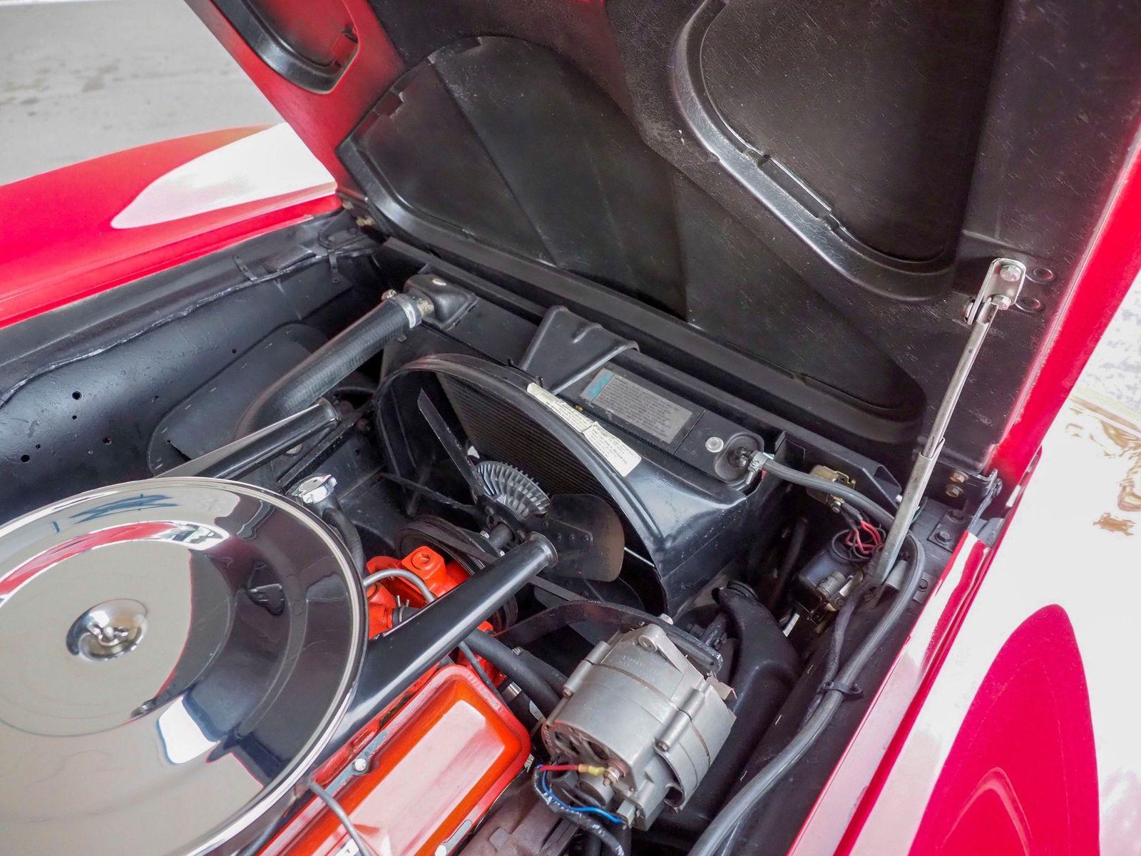 1965 Chevrolet Corvette 27