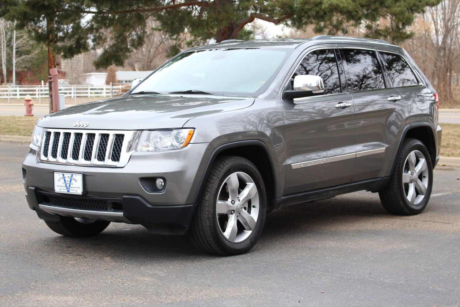2012 Jeep Grand Cherokee Overland | Victory Motors of Colorado
