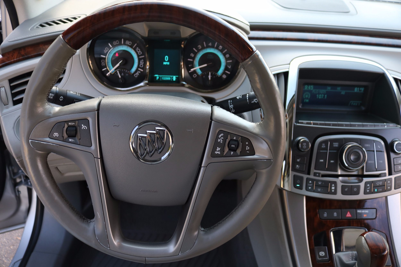 Buick LaCrosse: Steering Wheel Adjustment
