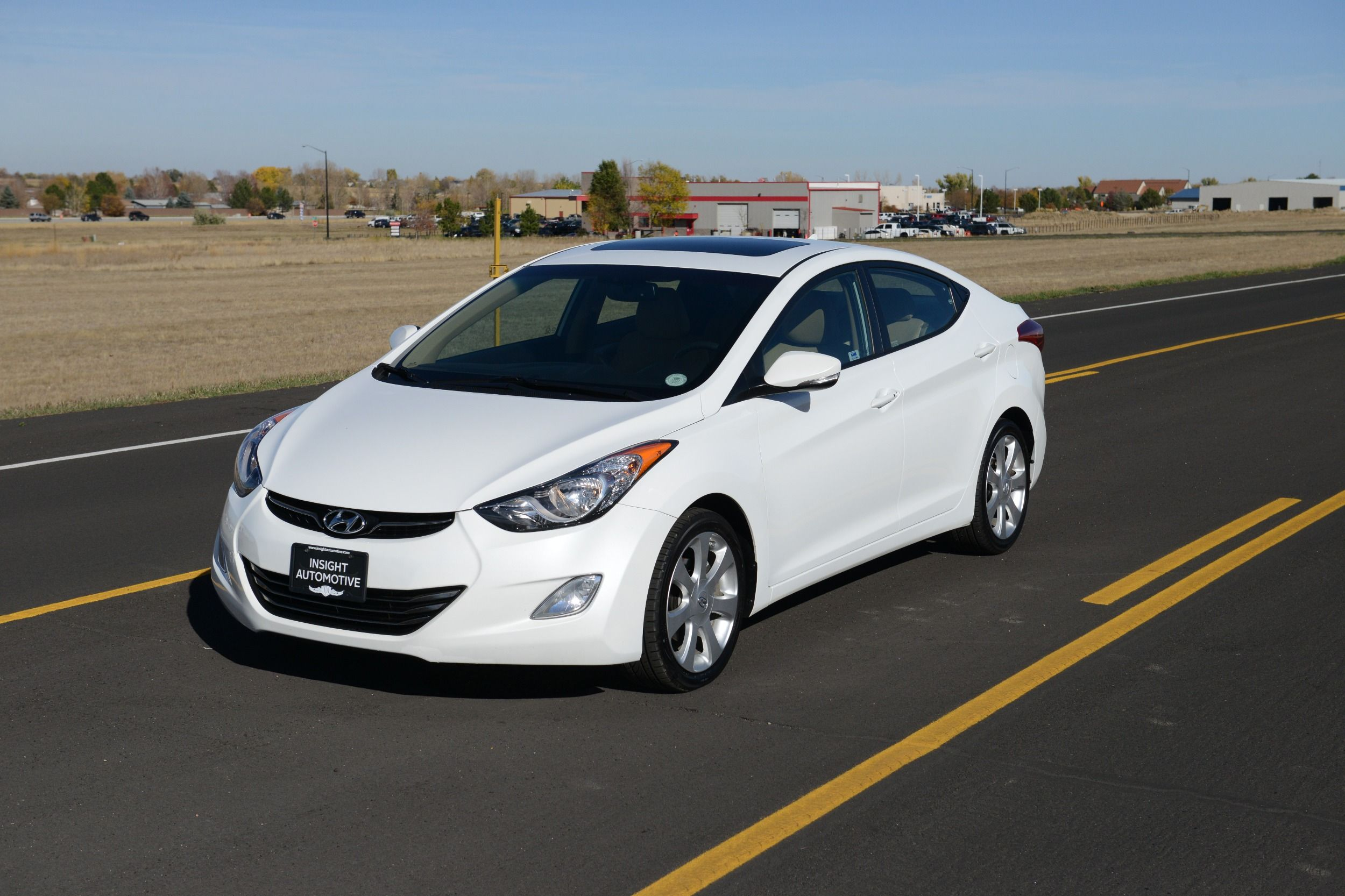 2012 Hyundai Elantra Limited. Navigation Bluetooth Heated Leather Great MPG