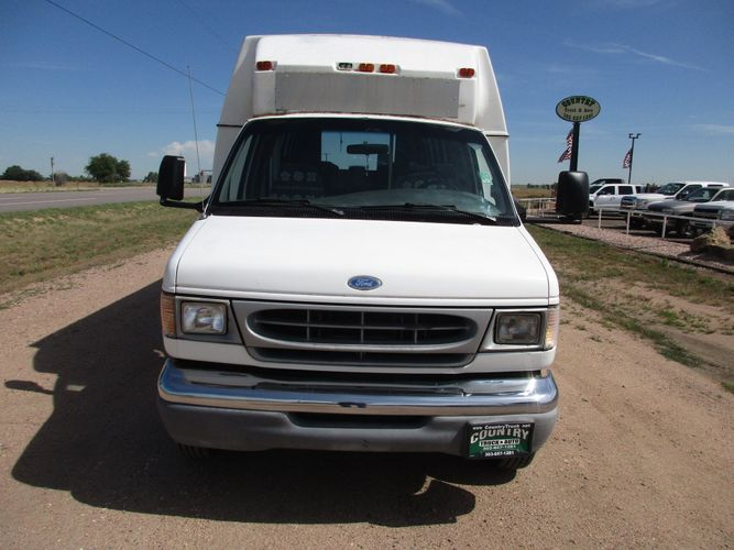 1997 Ford E450   Country Truck & Auto