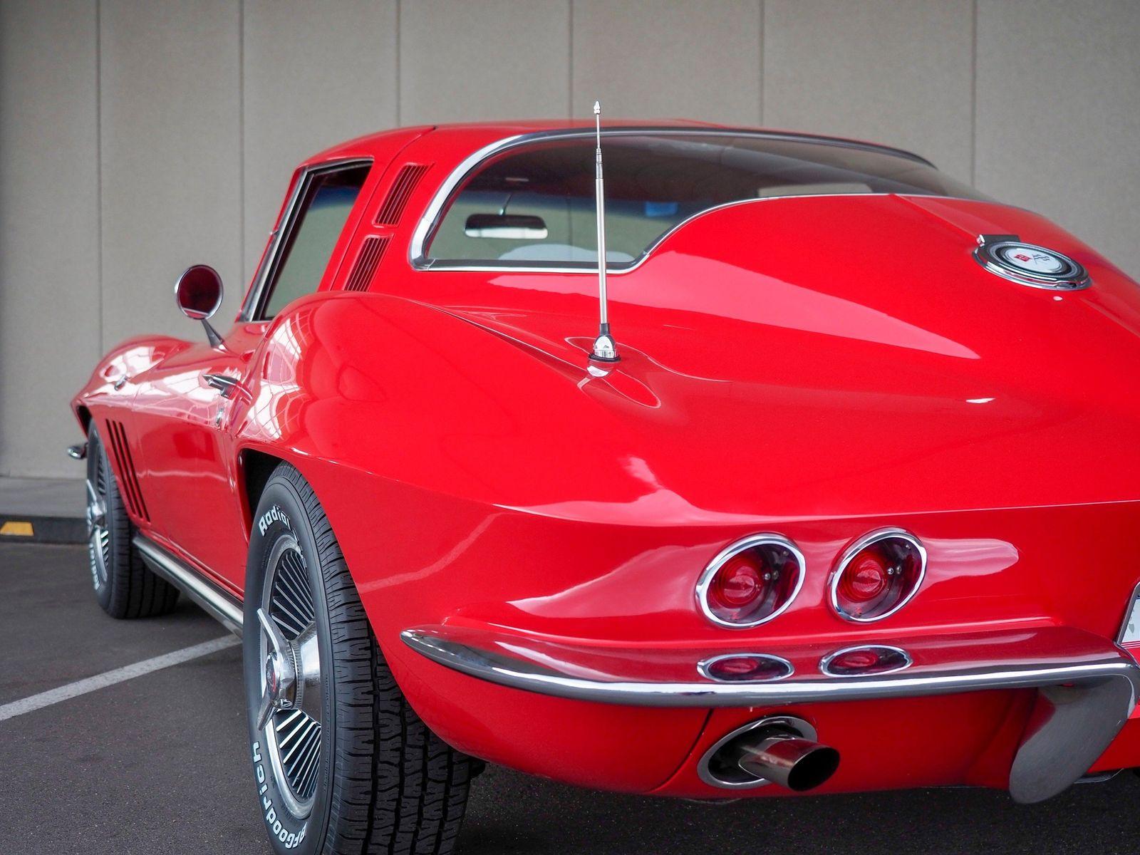 1965 Chevrolet Corvette 13