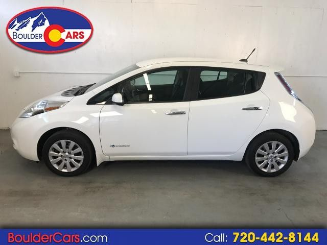 2013 Nissan Leaf S  Quick Charger! Heated Seats!!