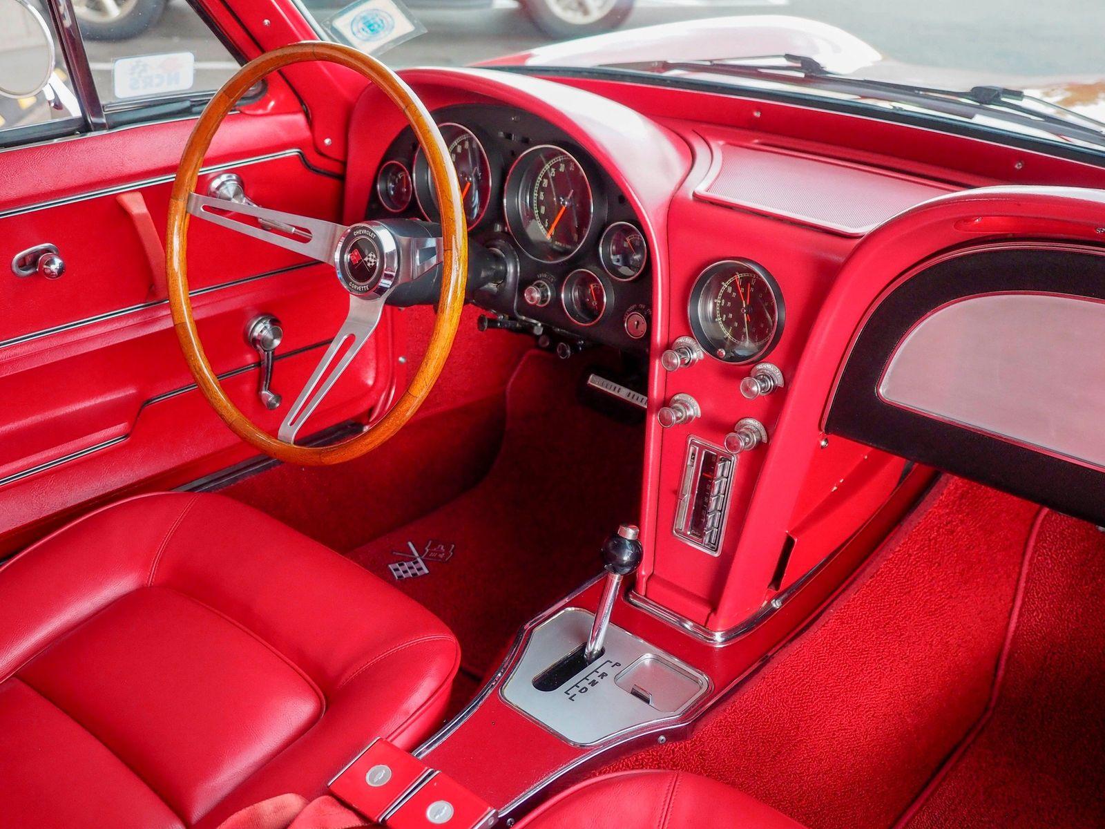 1965 Chevrolet Corvette 35