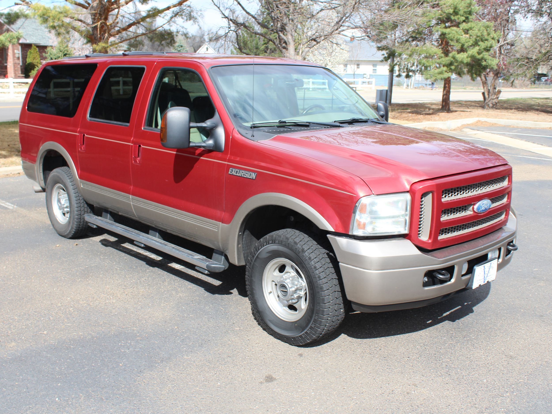 2005 Ford Excursion Photos