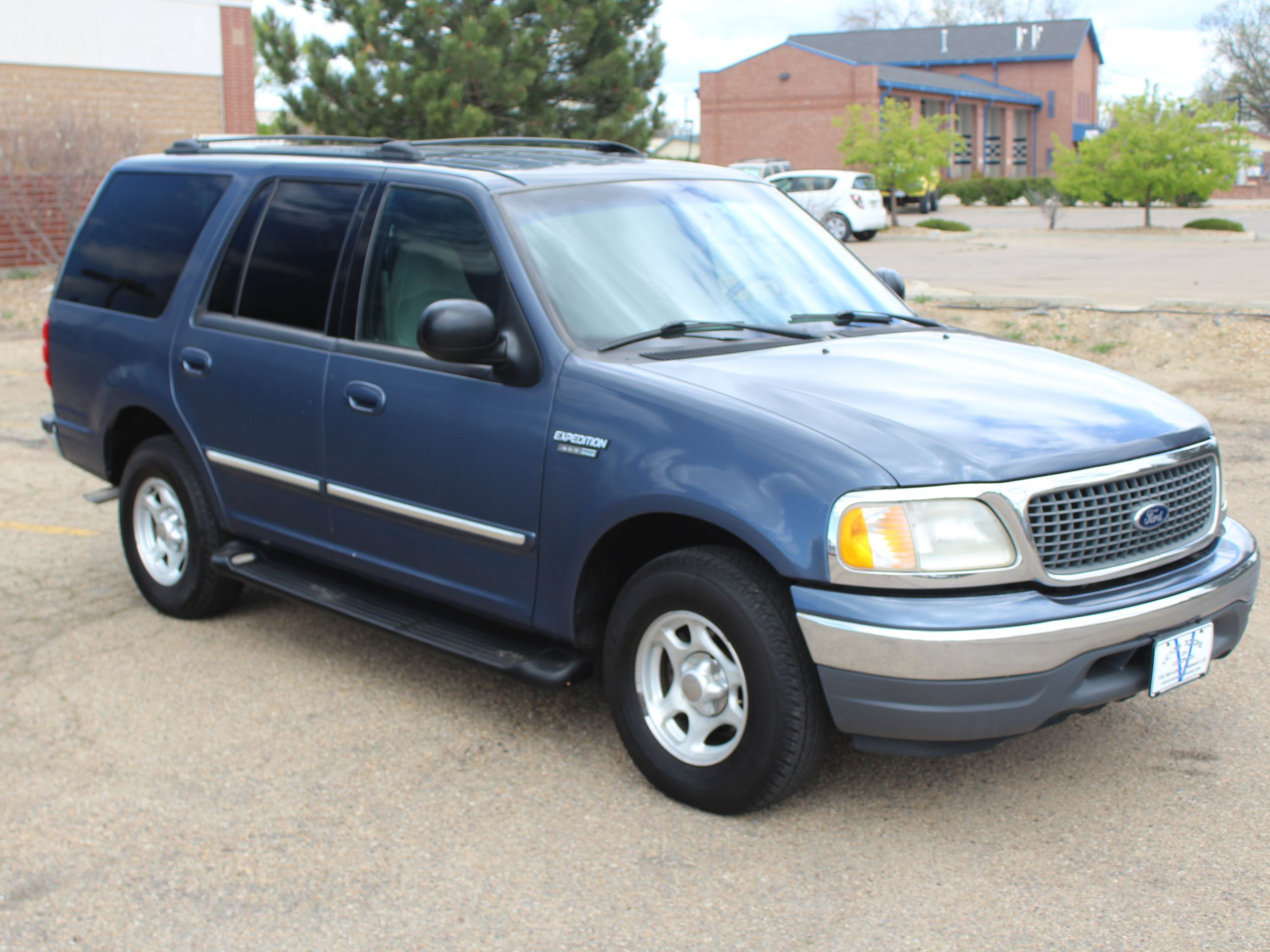 2000 ford expedition xlt back to vehicle